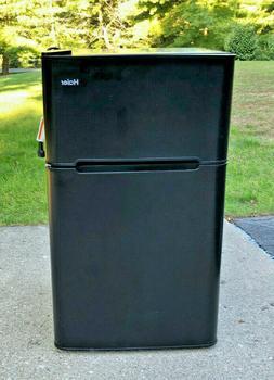 Haier Compact Refrigerator 3.2 Cu Ft w separate Freezer, LOC