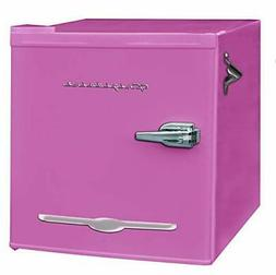 Igloo FR176-PINK 1.6 cu. ft. Retro Bar Fridge with Side Bott