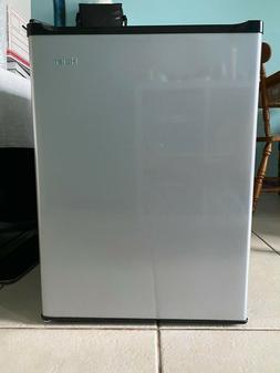 Haier HC27SW20RB 2.7 Cu-Ft. Compact Refrigerator dorm Virtua