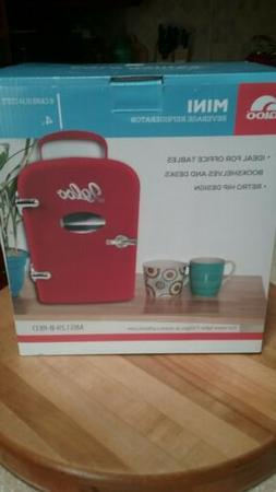 Igloo Mini Retro Beverage Refrigerator Fridge, Red holds 6 c