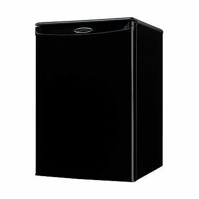 dar026a1bdd compact refrigerator mini fridge
