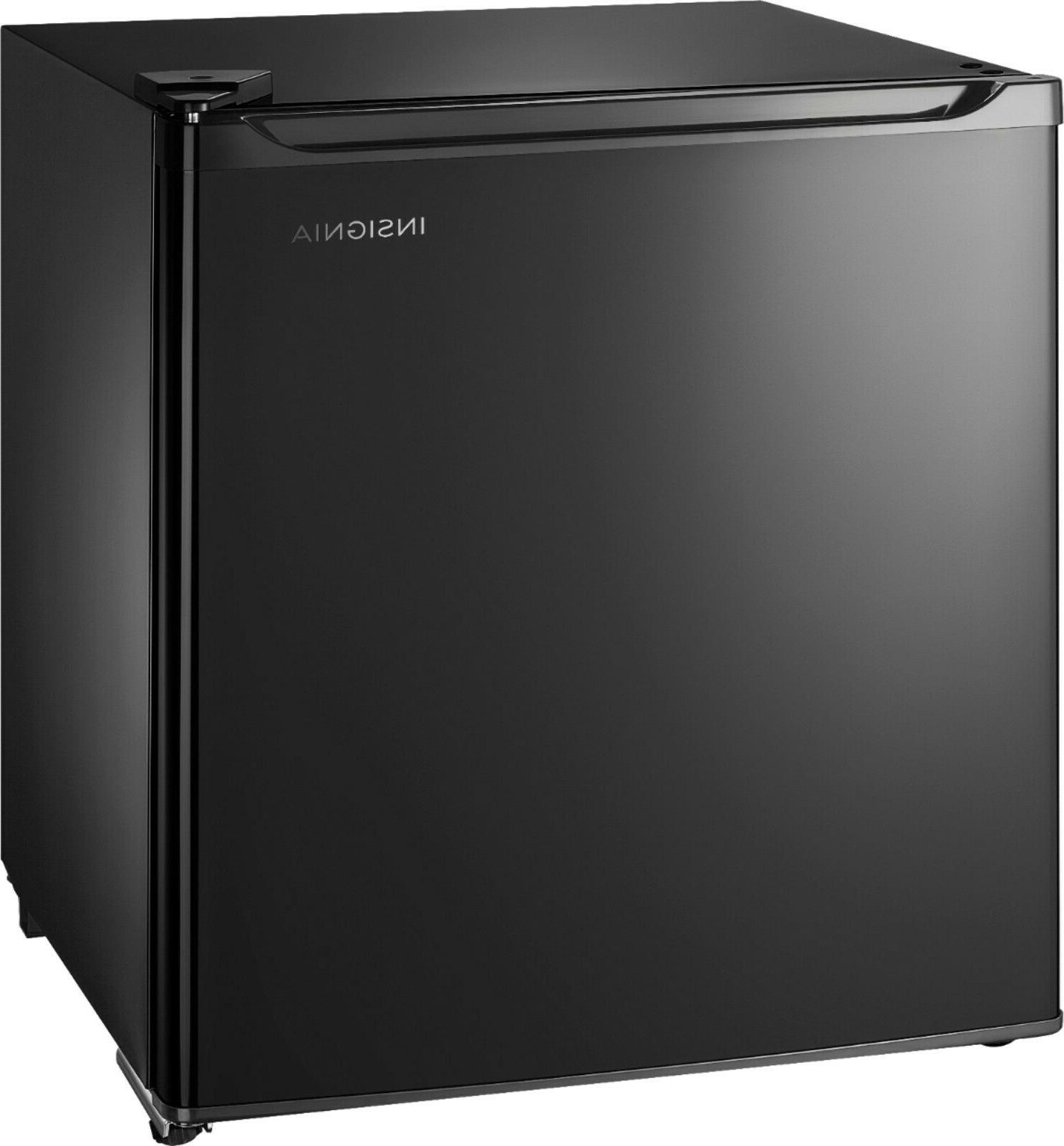 Mini Fridges - Insignia - Mini Fridge