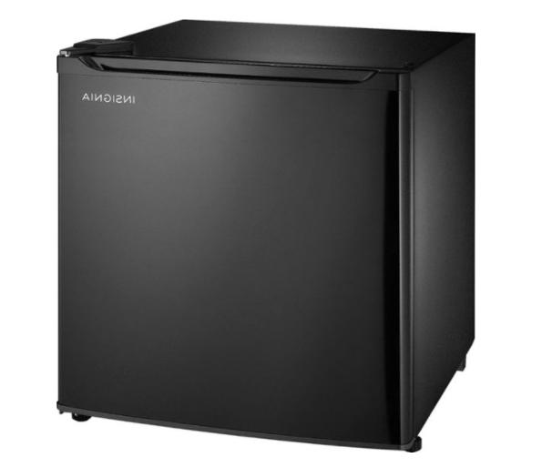 INSIGNIA FT MINI FRIDGE 3 ADJUSTABLE SHELVES, FREESTANDING, BLACK