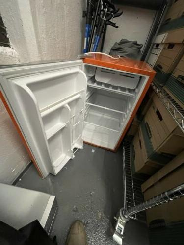 Igloo Office/Dorm/Apt. Fridge