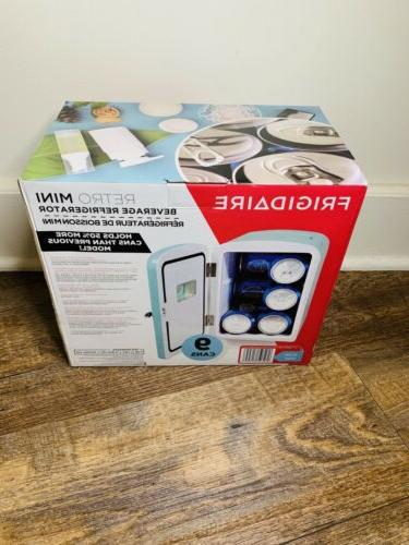 Frigidaire Portable Large 9-Can Mini EFMIS175 Blue XL