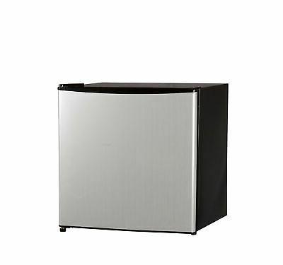 single reversible door refrigerator freezer